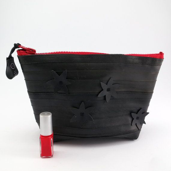 Cosmetic pouch for men and woman, recycled bike inner tube, container, bag, with red zipper. on Etsy, 245,00 kr
