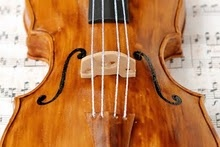 Violin cake.  this is one cool fiddle cake!