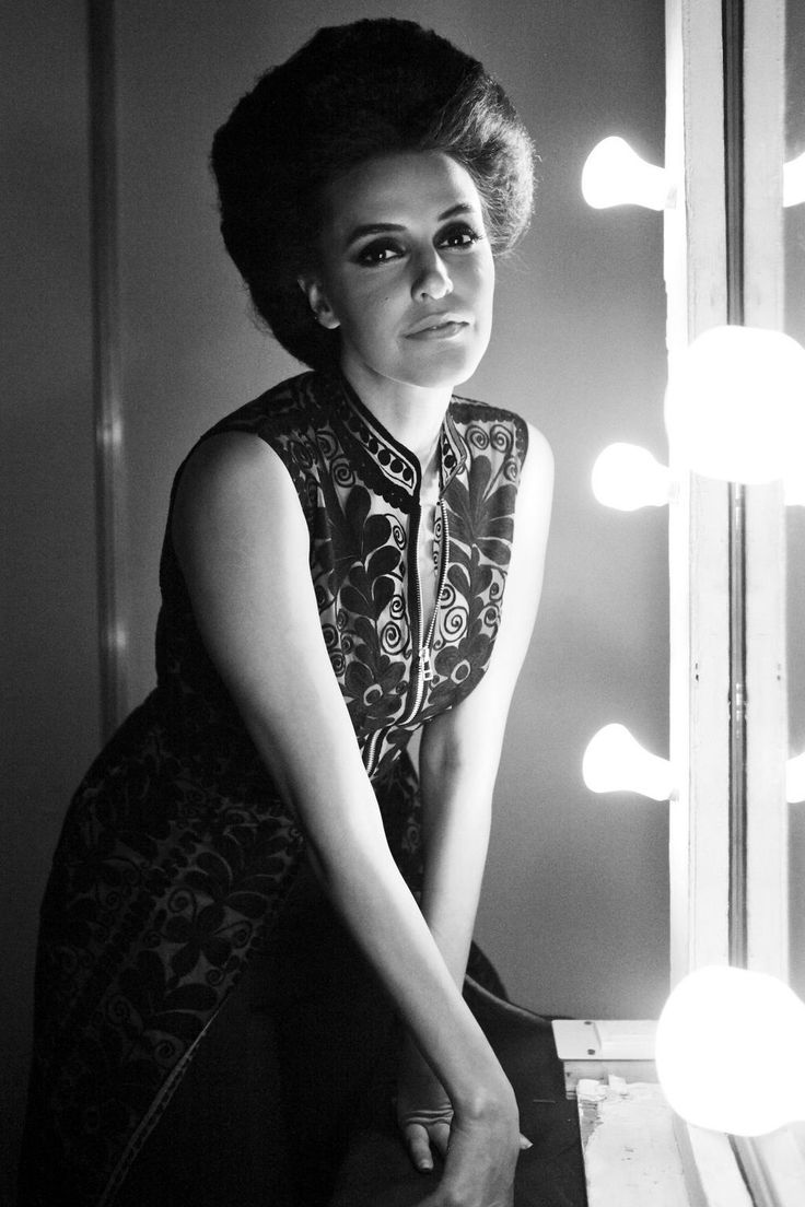 Your eyes kill. Your smile breaks hearts. Your style enthralls Neha Dhupia, where should we look first?