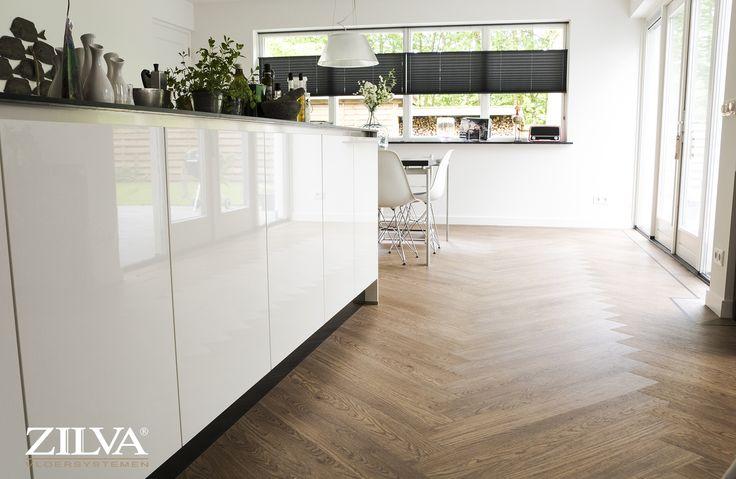 Kitchen | PVC | visgraat met zwarte bies | info@zilva.nl