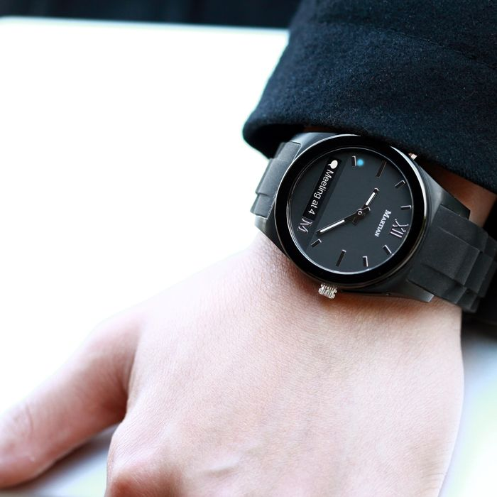 Check out this classic analog smartwatch by Martian Watches! Martian Notifier Black/Black/Black