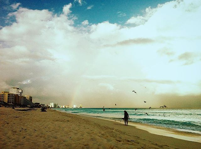 Reposting @macedelcafe: #cancun #playa #atardecer #rainbow #beach #water #sea #ocean #travel #landscape #sunset #dawn #seashore #sand #storm #sky #sun #seascape #nature #outdoors #daylight #cloud