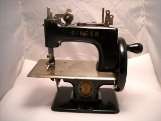 mini singer sewing machine