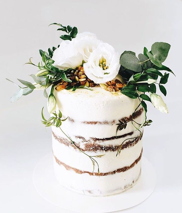 Cake topper (add vines & candles)
