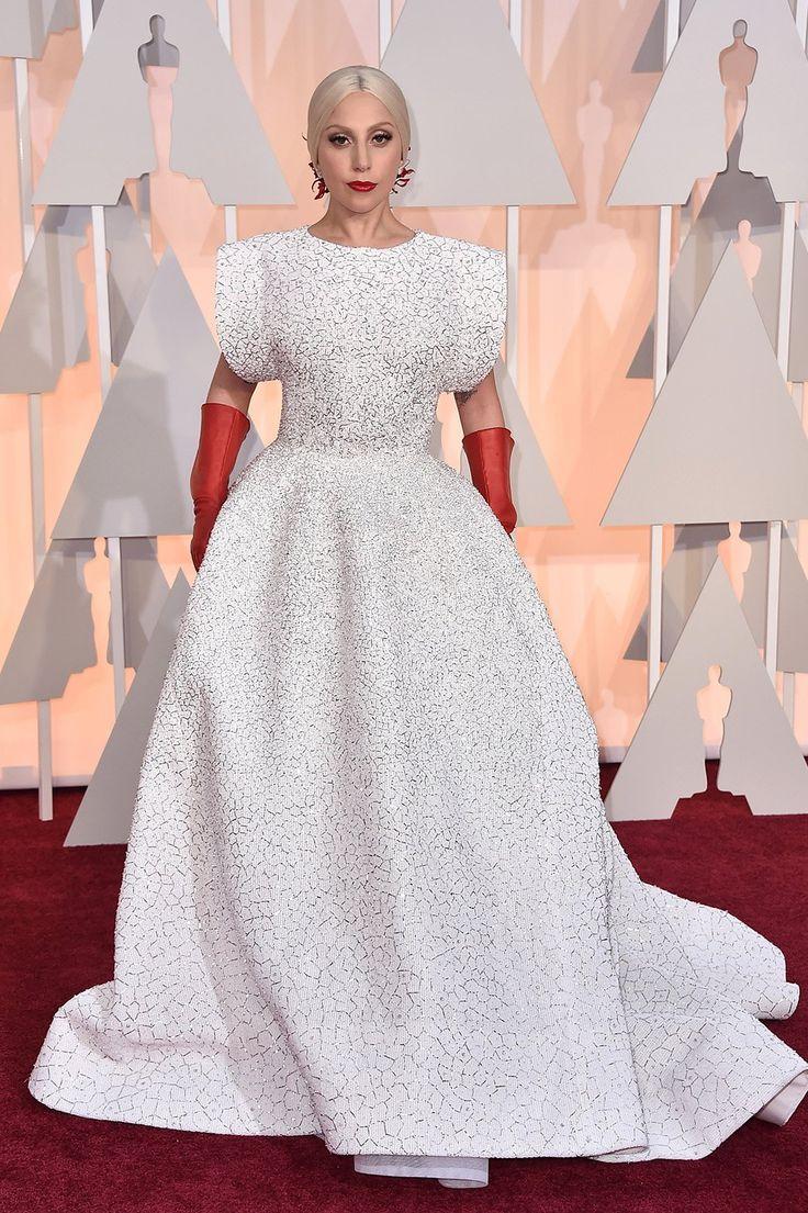 Lady Gaga in Azzedine Alaia on the Oscars 2015 red carpet