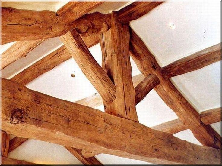 Tetőszerkezet antik gerendákból - Antik bútor, egyedi natúr fa és loft designbútor, kerti fa termékek, akácfa oszlop, akác rönk, deszka, palló
