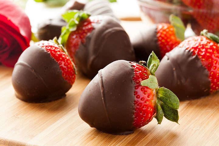 Easy Dessert Recipes For Teens - Chocolate Coated Strawberries