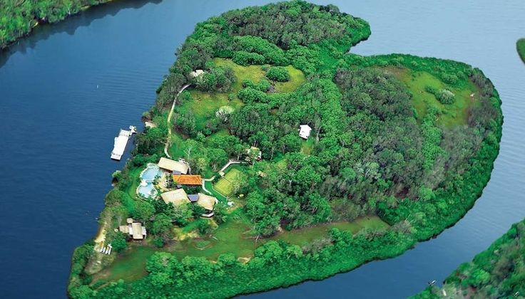 Makepeace Island in Australia / 17 Amazing And Unexpected Honeymoon Destinations (via BuzzFeed)
