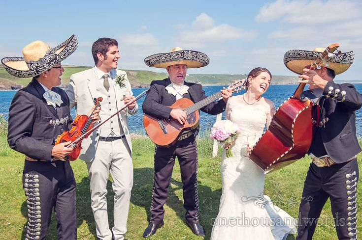 Wedding mariachi band at Prussia Cove wedding venue in Cornwall. Photography by one thousand words wedding photographers
