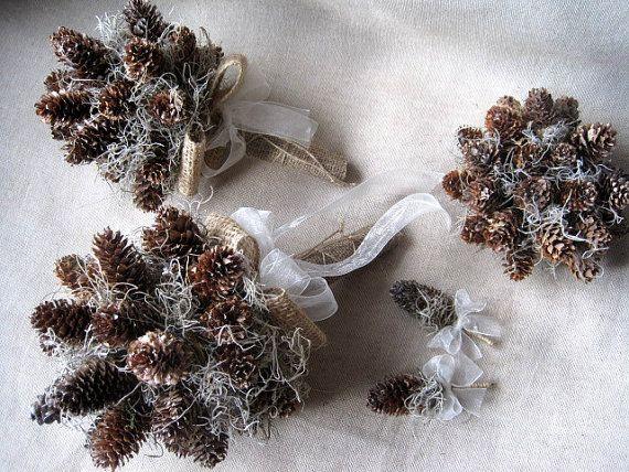 Set inverno rustico pino cono nozze bouquet da sposa alternativi con asole bridasmaids bouquet, torte di nozze, nozze del terreno boscoso