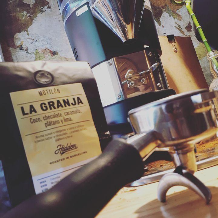 Gracias @carlos_moral_hidden_ por el regalazo! Cafelón como pocos  tueste nivel supremo   Gran propuesta @hiddencafebarcelona  #LaGranja #Colombia #WoW  #specialtycoffee #coffee #coffeeadict #coffeelovers #coffeeroasters #coffeebar #coffeehouse #coffeeshop #breakfast #healthybreakfast #bettercoffee #cafe #cafeteria #cafesespeciales #mejorcafe #sopela #sopelana #bilbao #uribekosta #holydays