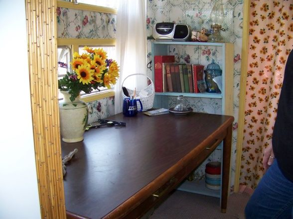 Camper Trailer Interior ~ Nice Use Of Space, Table And Shelving