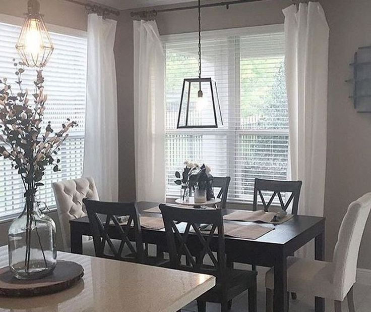 Small Dining Room Idea: 49 Elegant Small Dining Room Decorating Ideas