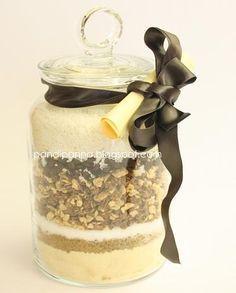 Ricetta biscotti cioccolato e cocco per regalo in barattolo! http://www.pandipanna.com/2009/12/un-regalo-in-barattolo.html