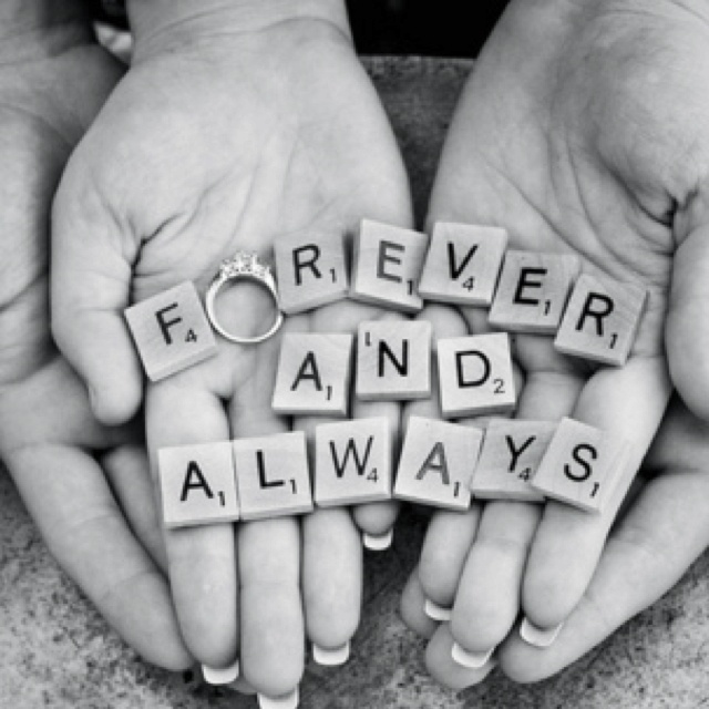 Great idea for an engagement pic. <3