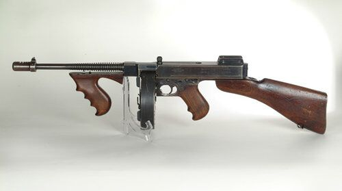2.Thompson M1921 Submachine Gun