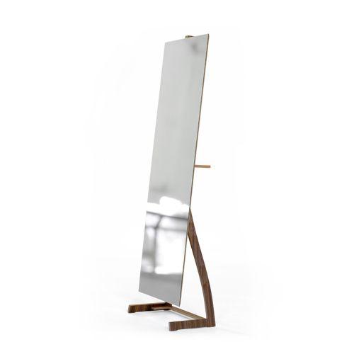 Bend - Pirwi | Su exquisito nivel de detalle hace que sea una sorprendente pieza la cual se puede colocar en cualquier habitación y ser vista desde cualquier ángulo.