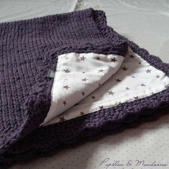 Links to a french blog, but I do like the idea of sewing some flannel to the back of the blanket for softness. The navy and stars are so nice.