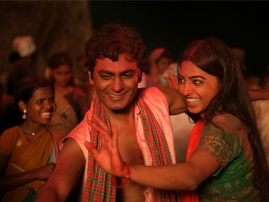 Manjhi - The Mountain Man review: Nawazuddin is the saving grace of this melodramatic film