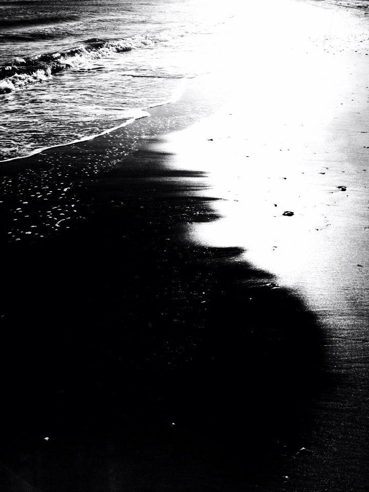 #photography #black and white #ocean #water #sea #light #contrast #art #artleanda    artleanda.com