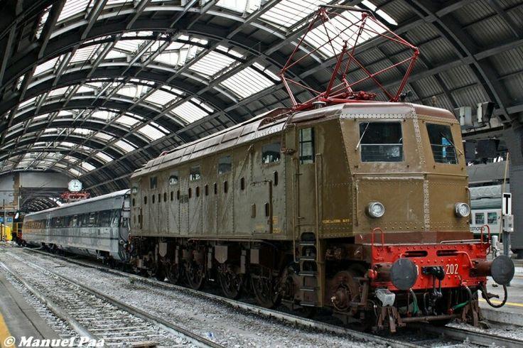 FS E 428.202 in stazione...tempi d'oro