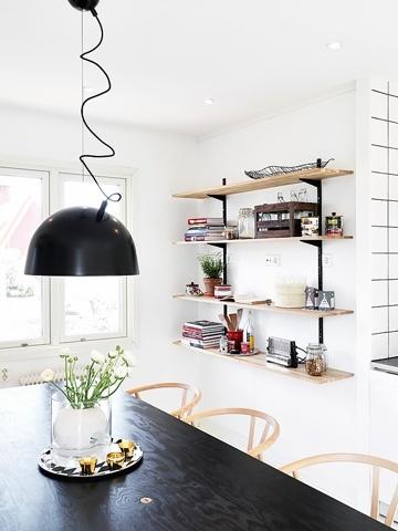 Nice Scandi kitchen @ Scandi Decoration http://scandidecoration.blogspot.fi/