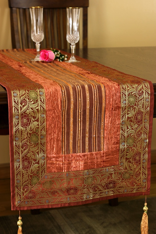 Soft Velvet And Shining Silk Are Weaved Together In This Simply Stunning  And Uniquely Crafted Arabian Velvet Table Runner.