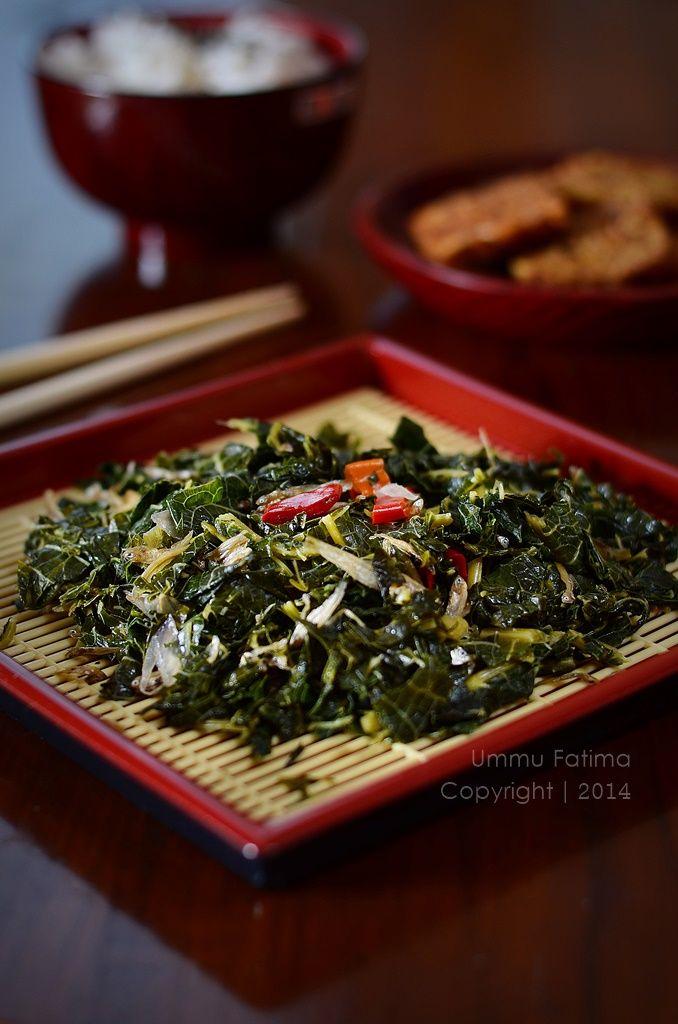 Simply Cooking and Baking...: Tumis Daun Pepaya Teri