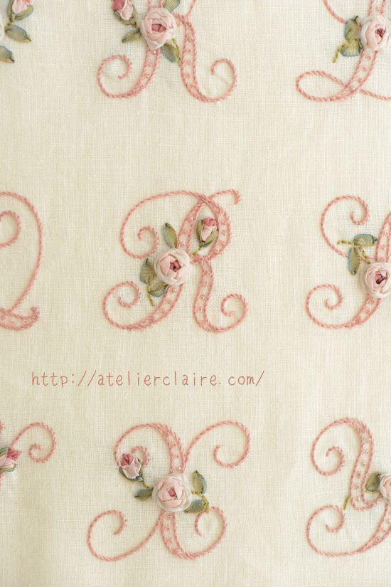 自由が丘の刺しゅう&カルトナージュ教室Atelier Claire(アトリエクレア)の井上ちぐさですおはようございます♪ちいさなリボン刺繍の本を購入くださ...