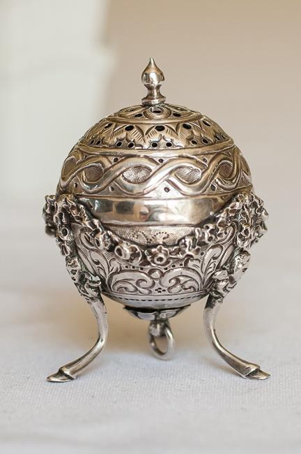 Victorian sterling silver salt shaker