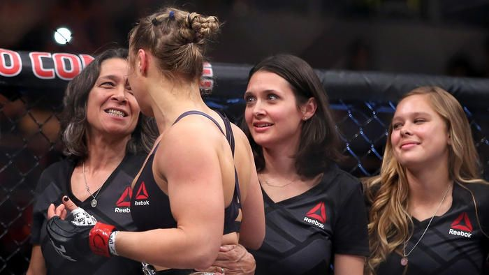 Ronda Rousey and her mom after the fight. Yeah Ronda!