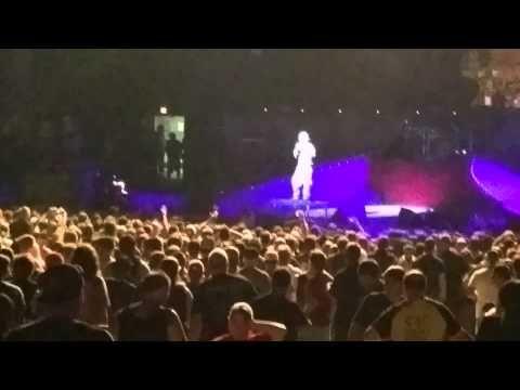 Басист Slipknot госпитализирован во время концерта - http://rockcult.ru/alessandro-venturella-hospitalized/