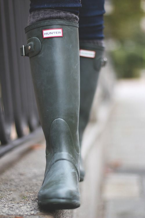 Green Hunter boots. Buy kids sz 5 over women's sz 7... Saves between $60.00-$80.00