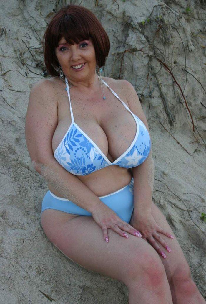 фото большая грудь женщин в возрасте себя язык сегодняшнем