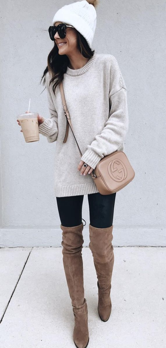 This oatmeal winter sweater combined with the hat, leggings and boots like cozy and cute. #womensfashion