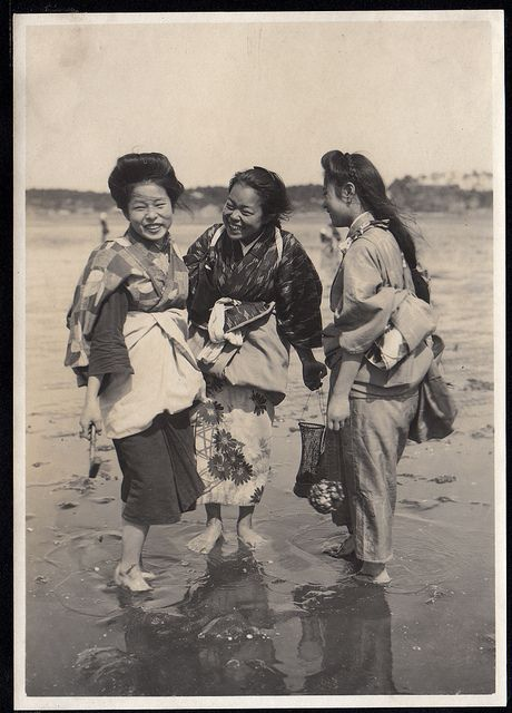 Sharing a Laugh--Japan 1914-18--by Elstner Hilton