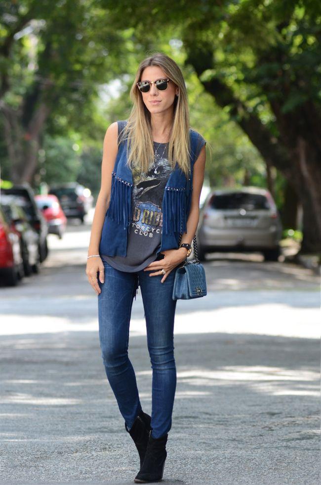 Regata: um guia completo para usar a peça em seus looks Look regata, regata, regata estampada, jeans, bota