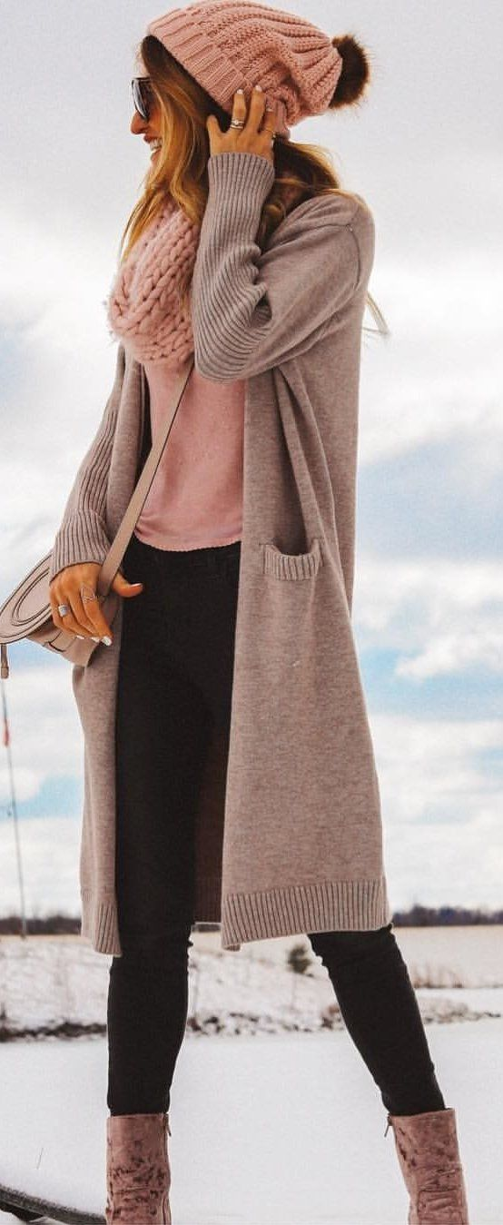 #winter #outfits brown cardigan and pink long-sleeved top. Pic by @karinastylediaries.