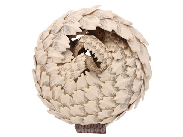 This exquisite Pangolin was sculpted by Tebogo Ndlovu and painted by Jabu Nene and is currently on show at the Charles Greig exhibition which will run from 3-23 October in the centre court of Hyde Park.