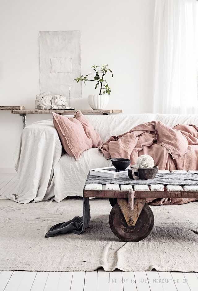 Beautiful linen in a dreamy Norwegian home (my scandinavian home)