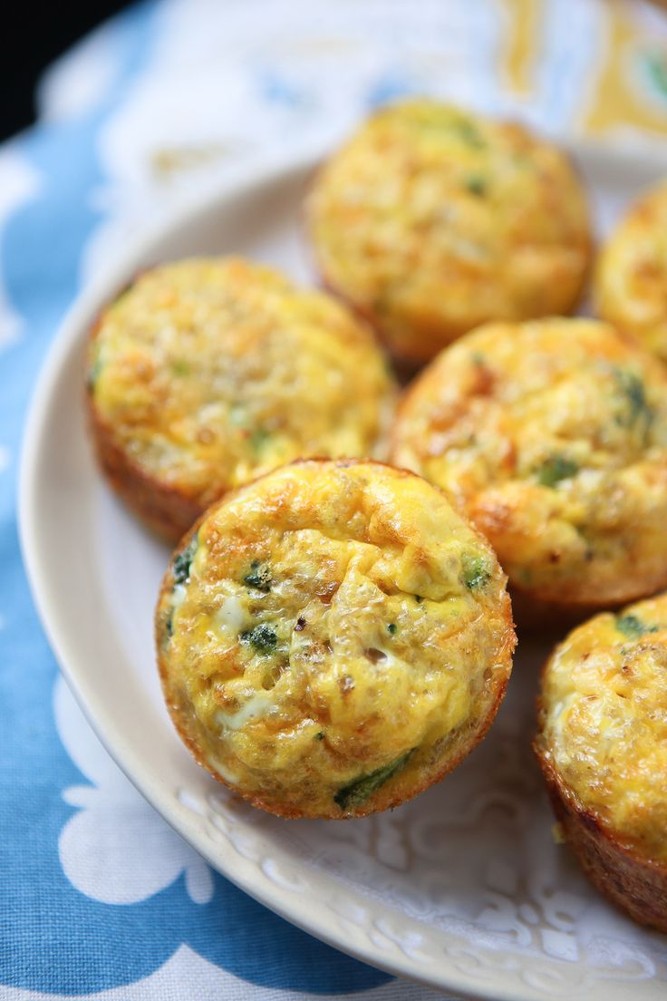 Broccoli Cheese Frittata Muffins - this recipe is so versatile, my family loves…