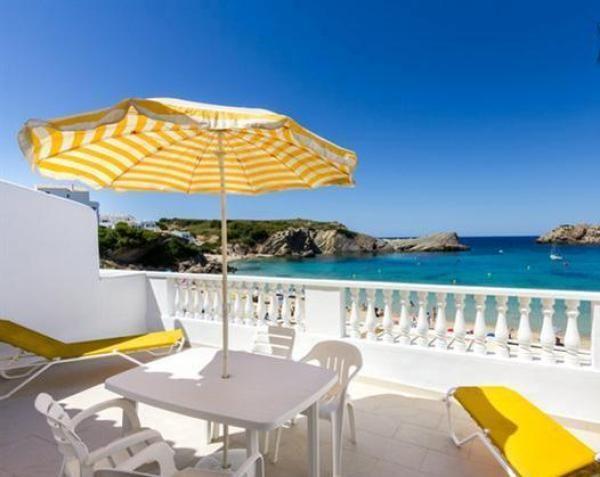 Chalet de playa en Arenal d'en Castell. 2 Dormitorios + 2 Baños + 6 Plazas > http://www.alwaysonvacation.es/alquileres-vacaciones/1403312.html?currencyID=EUR #AlwaysOnVacation #Verano #IslasBaleares