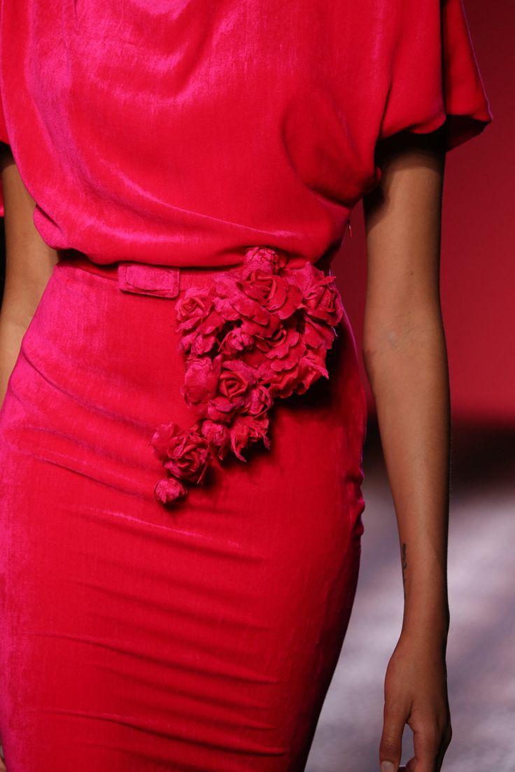 "mademoisellefashionn: "" fashionsprose: "" Details at Schiaparelli Couture F/W 2014 "" Bonjour,nous sommes Katarina et Violeta. Nous adorons la mode """