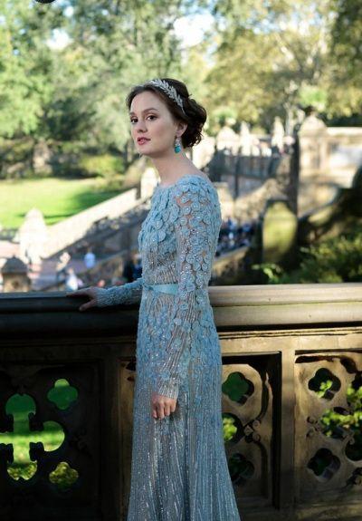Leighton Meester as Blair Waldorf wearing a diamond leaf tiara and turquoise