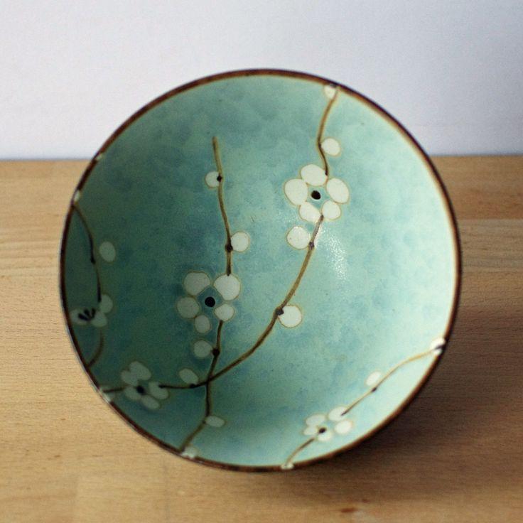 Cerámica Japonesa sousaku Tazón de Flor de cerezo-azul pálido con Flor Blanca | eBay