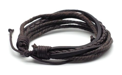 The Benito brown men's leather bracelet is perfect for the everyday adventurer, with it's worn leather look, and worldly appeal.