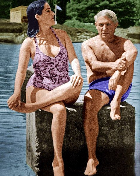 Píckarsole with his lover, Dora Maar, who once told him: 'As an artist you may be extraordinary, but morally speaking you are worthless.'