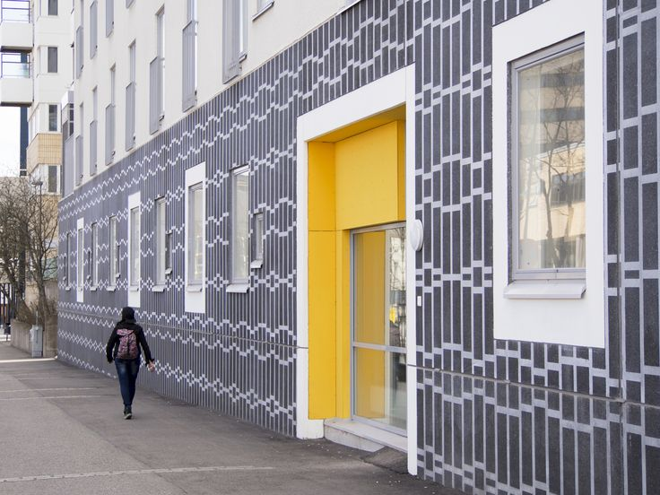 HOAS Siltakuja 2, Espoo, Finland, 2013 (housing). Architecture by Arkkitehtitoimisto Vuorelma Arkkitehdit Oy, prefabrication by Parma Oy.