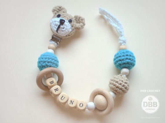 PORTA CHUPETES cabeza osito y nombre / DBB crochet - Artesanio