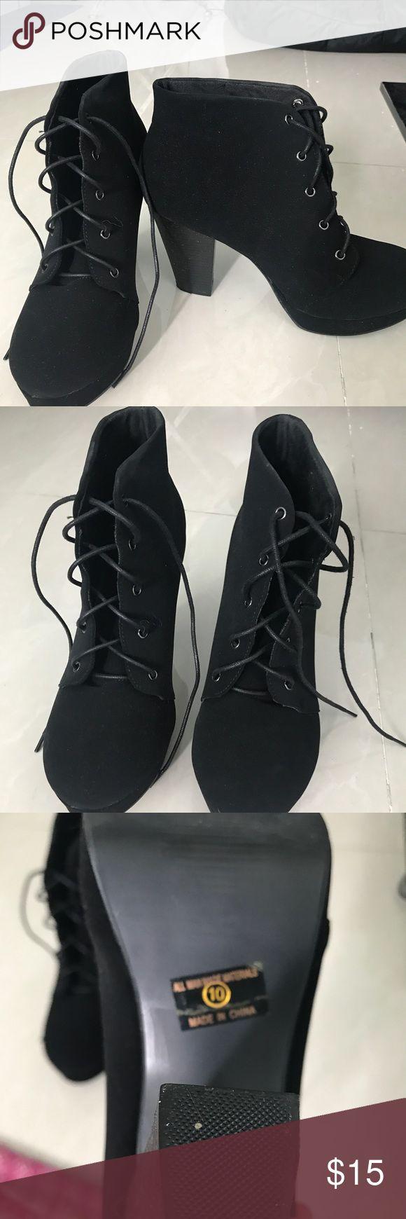 Black Heeled Booties Black heeled booties from jeans warehouse. US SZ 10. Never worn, selling b/c I wear a 9. Jeans Warehouse Shoes Heels